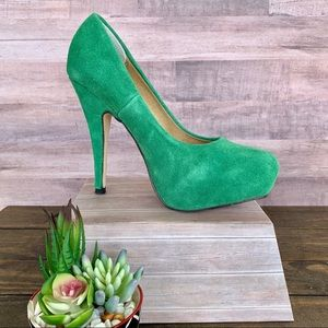 SHOEDAZZLE Estephanie Green Suede Platform Heels